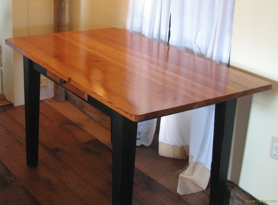 Reclaimed Pine Table4