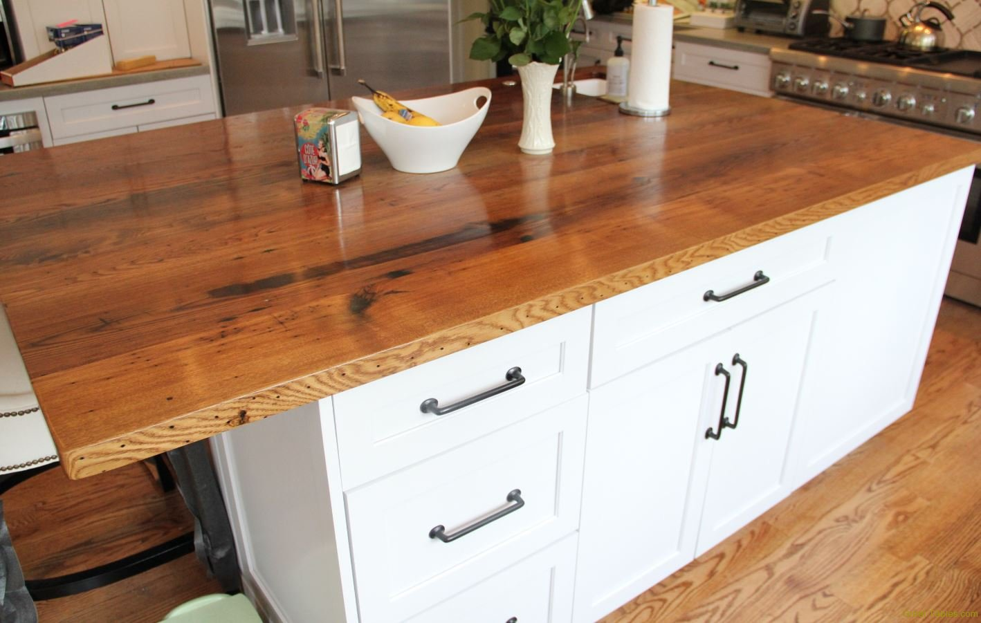 Chestnut Kitchen Counter Top4