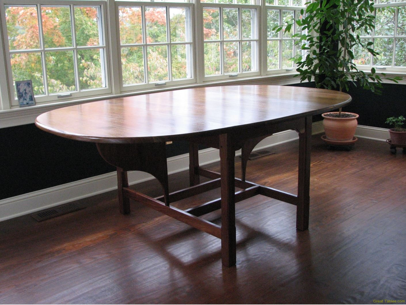 Reclaimed Walnut Oval(Fold) Table
